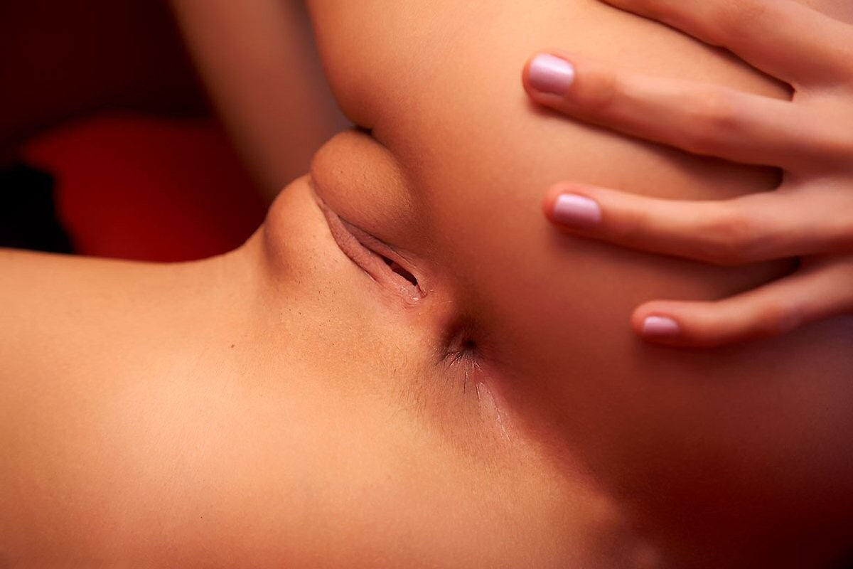 pussy-close-up-032